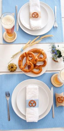 Oktoberfest Themed Sukkah Table Setting | Crafts & Kugel| Crafts and Kugel