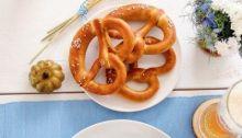 Oktoberfest Themed Sukkah Table Setting | Crafts & Kugel| Crafts and Kugel